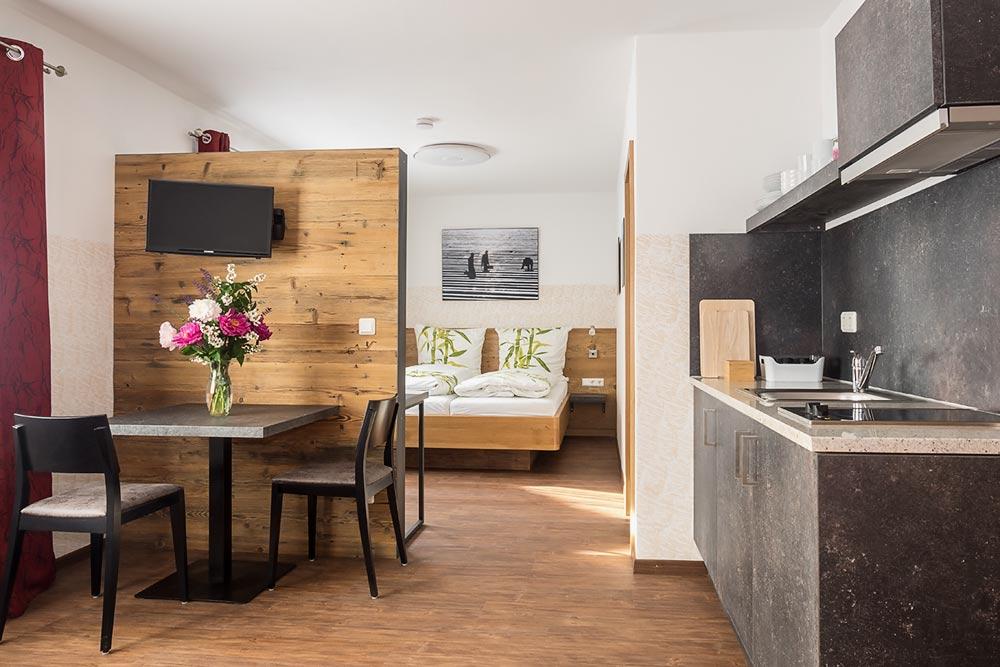 Fernseher Küche   Hotel Bei Pfaffenhofen Unterkunft Pension In Schrobenhausen
